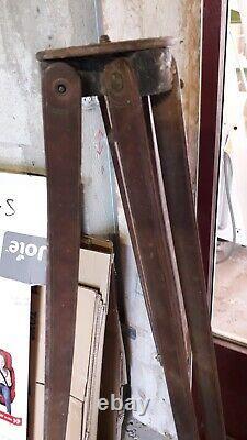 Ancien Trépieds en Bois Noyer et Laiton pour Appareil Photo où Pied de Lampe