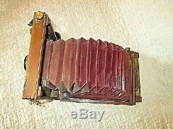 Ancien appareil photo-EURYSCOPIC LENS 2 avec soufflet dépliant-caisse en bois