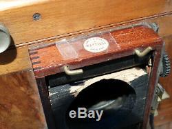Ancien appareil photo à plaques. (B11)