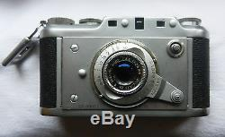 Ancien appareil photo argentique Ducati Sogno