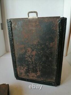 Appareil photo à soufflet rouge 6X9 avec plaque. Kodack Rochester NY. Circa 1880
