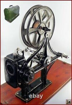 BANCAREL Cinématographe Portatif Projecteur Film 35mm Croix de Malte Manivelle