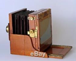 Very rare, Stéréo camera Hélios Mahogany & brass demi plaque